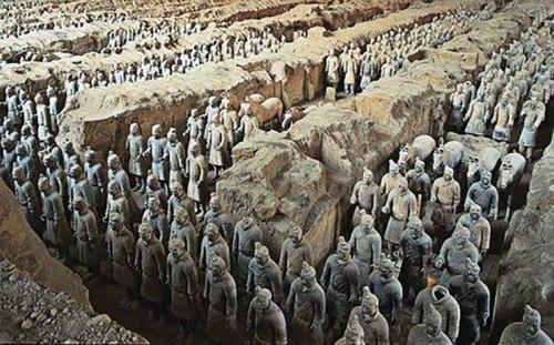 Đội quân đất nung bảo vệ lăng mộ Tần Thủy Hoàng. Ảnh: Internet.